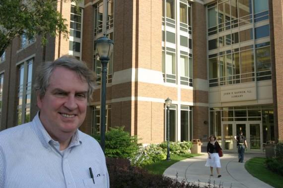 Professeur licencié défense mariage université jésuite Etats Unis