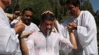 Des milliers de migrants reçoivent actuellement le baptême en Europe et surtout en Allemagne