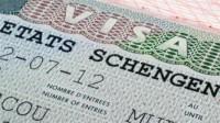 L'Union européenne envisage de rétablir les visas pour les Américains et les Canadiens