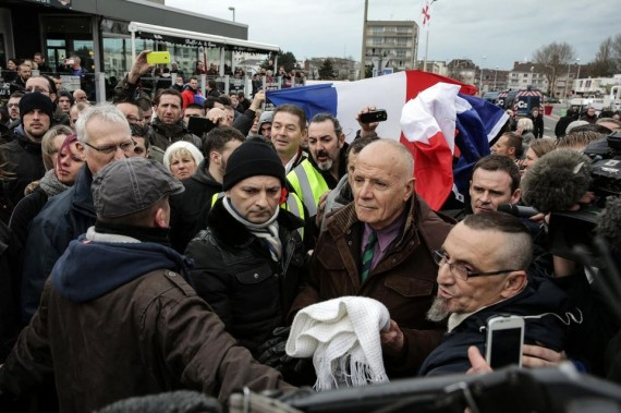 Général Piquemal défense identité France coûter 500 euros