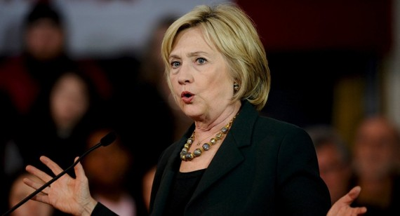 Hillary Clinton règles serveur privé courriels sensibles