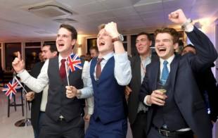 Oui au Brexit: les Britanniques en liesse, mais l'euphorie ne doit pas empêcher la vigilance