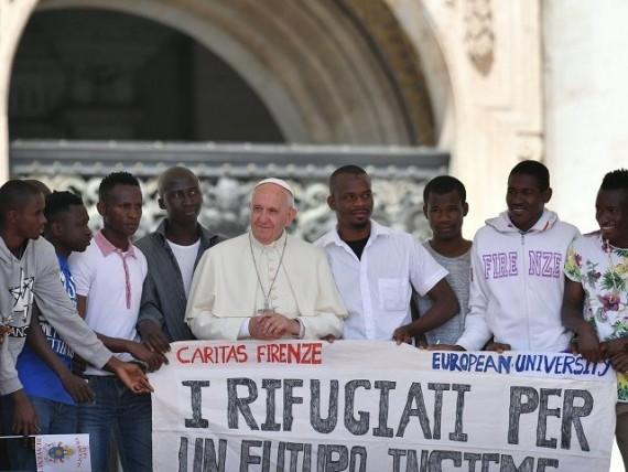 Rome Pape François Propagande Invasion Europe