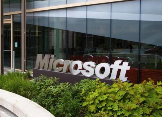 Surveillance pression Microsoft Windows 10 consommateurs Mac Linux