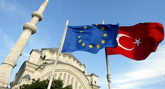 Union européenne intégration militaire politique Turquie