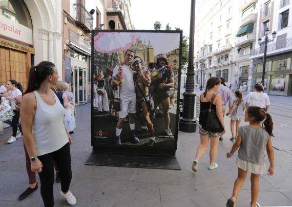 exposition Gay Pride Séville Défenseur peuple Andalousie mineurs