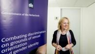Le ministre néerlandais à l'Emancipation, Jet Bussemaker, va cesser de subventionner des associations prônant le célibat des homosexuels