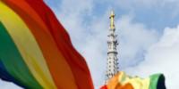 Un évêque américain veut une «réévaluation» du «langage très destructeur» du Catéchisme sur l'homosexualité