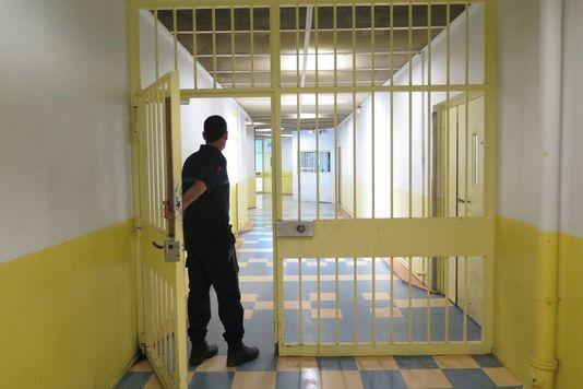 Surveillants Poignardés Osny Islamistes Conquête Prisons France