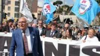 Marco Pannella lors d'une précédente marche pour l'amnistie, la justice et la liberté