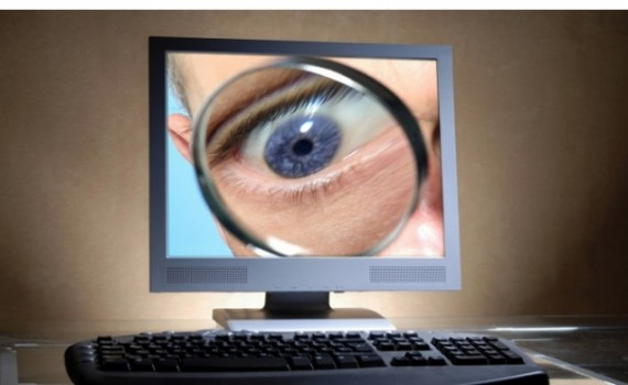 Geofeedia logiciel espionnage géolocalisation financé CIA police