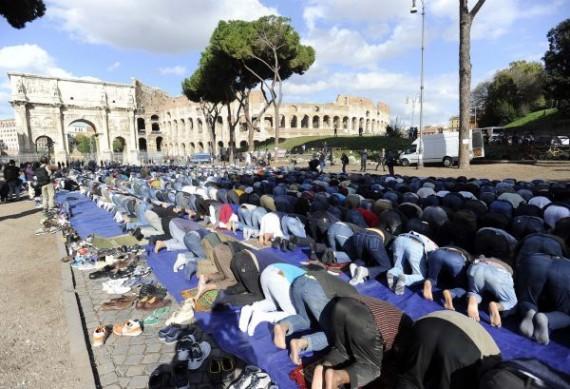 Rome musulmans prière publique Colisée chrétienté