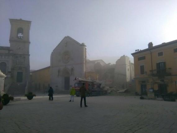 basilique Saint Benoît cathédrale Nursie détruites tremblement terre