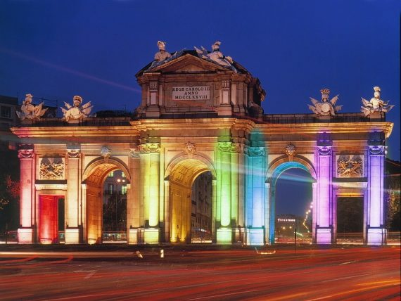 Amende directeur école Madrid idéologie LGBT