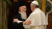 """""""Amoris laetitia"""": le patriarche orthodoxe Bartholomée prend la défense du pape François"""