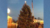 A Knightstown, Indiana, on a démantelé une croix couronnant le sapin de Noël municipal. C'était sans compter avec les habitants