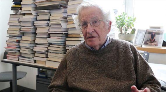 Noam Chomsky éclatement UE échec politiques néo libérales