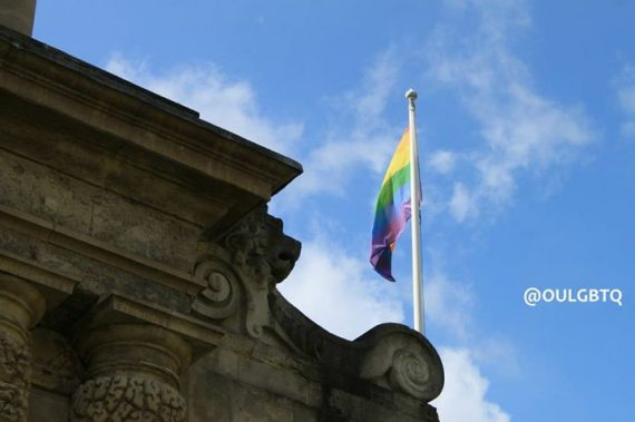Oxford étudiants pronom neutre discrimination transgenres