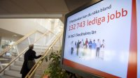 Publicité d'offres d'emploi dans une agence en Suède