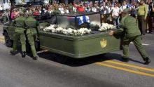 La photo: la jeep transportant les restes de Fidel Castro tombe en panne
