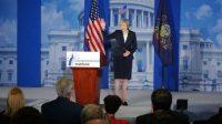 Le Premier ministre britannique, Theresa May, lors d'un discours devant les républicains américains, le 26 janvier, à Philadelphie, en Pennsylvanie.