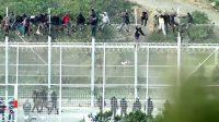 La vidéo : quelque 1.000 migrants nord-africains ont tenté de forcer la frontière de Ceuta au nord du Maroc