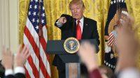 Le président américain Donald Trump,  lors d'une conférence de presse donnée à la Maison Blanche, jeudi 16 février.