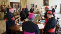 Le Conseil des neuf cardinaux fait allégeance au pape François