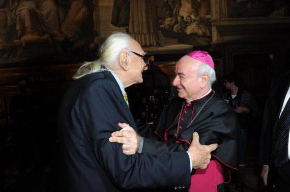 Vincenzo Paglia salue Marco Pannella