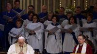 Le 26 février 2017, le Pape et l'évêque anglican David Hamid lors des vêpres