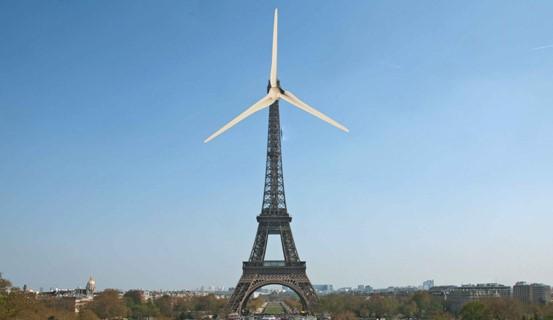 éoliennes grosses comme tour Eiffel Danemark