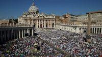 Partha Dasgupta et de Paul Ehrlich à l'Académie pontificale des sciences au Vatican: contrôle de la population et baisse du niveau de vie