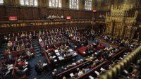 Brexit: l'accord des Lords, la signature de la Reine