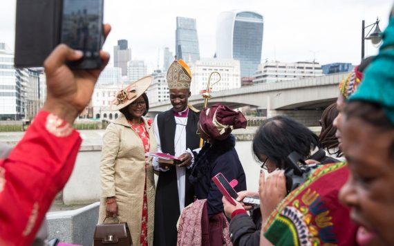 Eglise anglicane évêque minorités ethniques