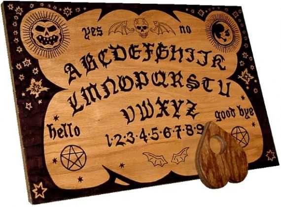 Occultisme maternelle planche Ouija Etats Unis