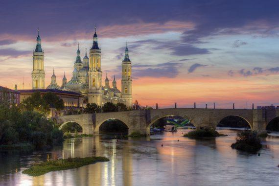 Podemos socialistes espagnols exproprier cathédrale Saragosse catholiques
