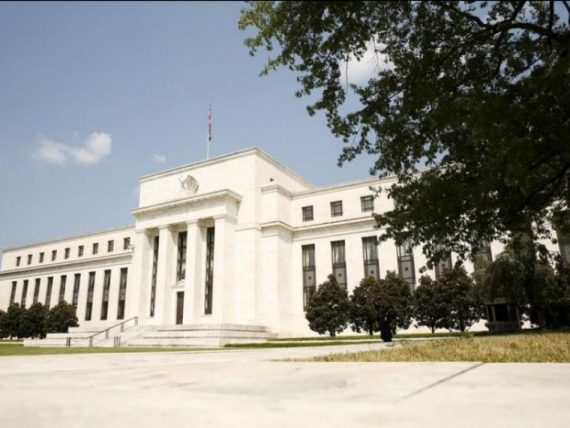 Réserve fédérale américaine augmenter taux contre Trump