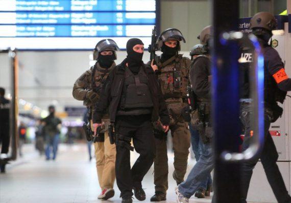 Rixe Paris Hache Allemagne Jeunes