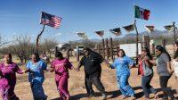 Les Tohono O'odham sont environ 3000 et sont reconnus comme une nation autonome par les États-Unis. Leur terre s'étend de l'Arizona à l'État de Sonora au Mexique.