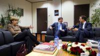 Ahmet Davutoglu (au centre), Angela Merkel et Mark Rutte