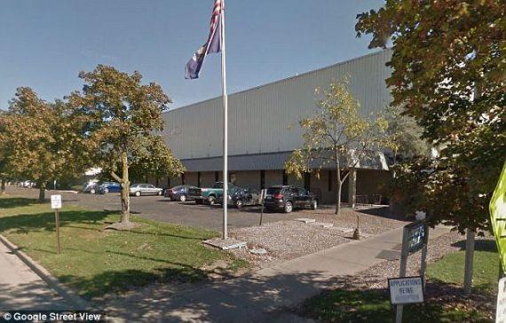 robot accusé mort femme usine Michigan