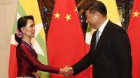 Aung San Suu Kyi, ministre birmane des Affaires étrangères, et Xi Jinping le 19 août 2016
