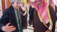 Le Premier ministre britannique Theresa May avec le prince héritier saoudien Mohammed ben Nayef, le 4 avril 2017 à Ryad.