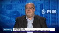 La montée du dollar annonce une guerre économique mondiale et une crise du yuan, selon Adam Posen