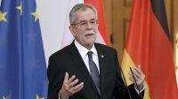 Le président autrichien pour le port systématique du voile islamique