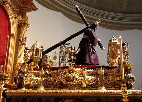 procession Vendredi Saint Séville attaquée Allahu akhbar