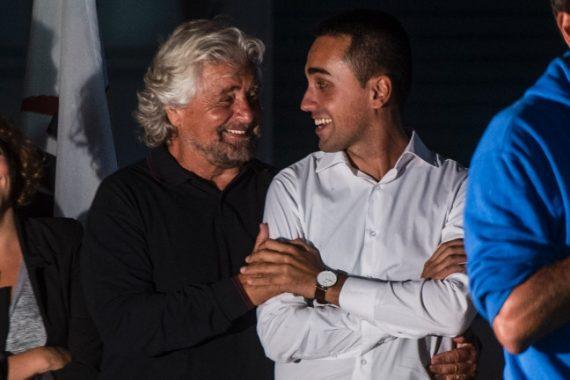 Beppe Grillo leader Mouvement 5 étoiles vote 16 ans