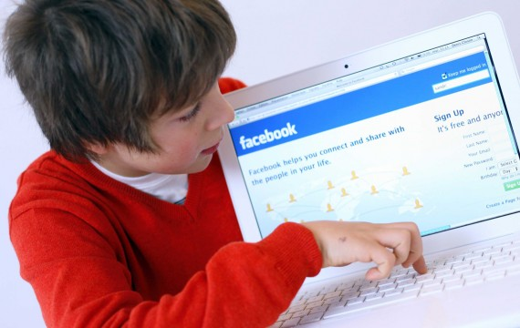 Facebook jeunes publicité