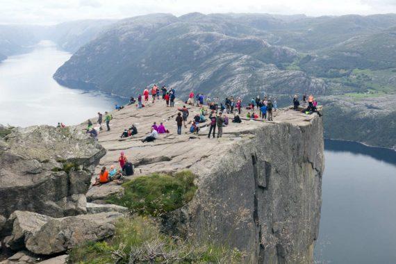 Grandes féodalités supranationales Norvège touristes croient Google Map