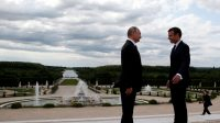 Macron, Poutine, Versailles: la perfection au masculin